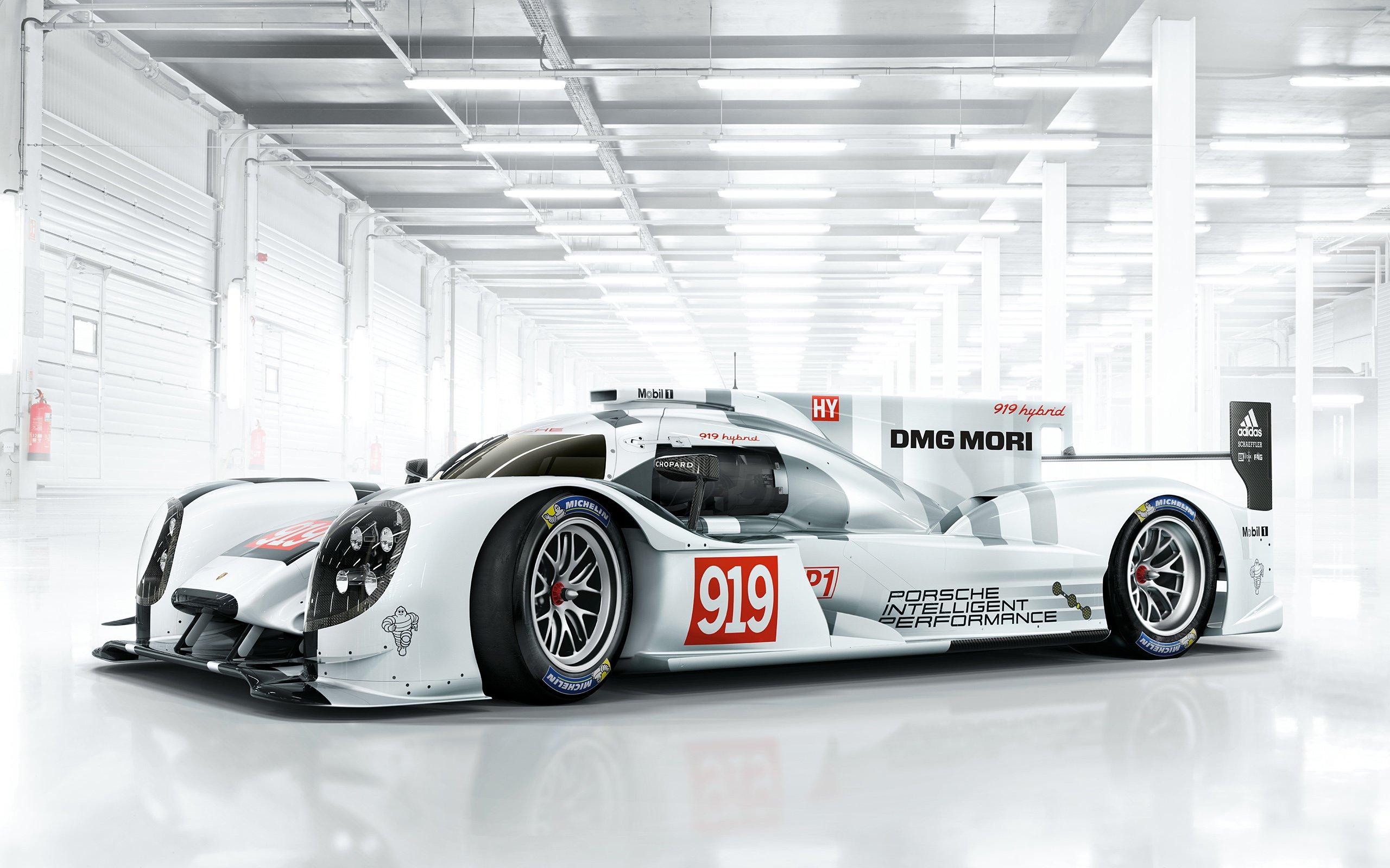Porsche pokonuje Audi i wygrywa wyścig 24h Le Mans 2015